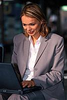 Frau Geschäftsfrau Laptop Notebook