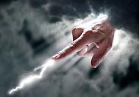 Hand Gestik gestikulieren Finger Zeigefinger zeigen Gewitter Blitz drohen Drohung