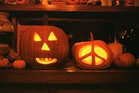 Two Jack O´Lanterns, One with a Peace Sign