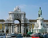 Rua Augusta Arch, triumphal arch and Dom José I equestrian statue at Praça do Comércio. Lisbon. Portugal