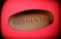 Augmentin 500 mg tablet. Augmentin is an antibiotic that is used to treat a wide spectrum of infections, including the lower respiratory system, skin,...