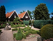10631906, garden, garden, garden art, houses, homes, hedges, Holland, timber houses, Netherlands, Ootmarssum, Overijssel,