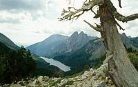 Mirador de l´Estany de Sant Maurici. Parc Nacional d´Aigües Tortes. Lleida province. Catalonia. Spain