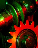 Traction engine´s gear. Close-up of a worm gear on the steering column of an 1886 Marshall agricultural steam traction engine. The worm gear consists ...