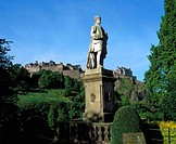 Statue of Allan Ramsay and Edinburgh Castle. Edinburgh. Scotland