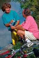 ELDERLY COUPLE OUTDOORS<BR>Models.