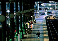 Paris, train platform