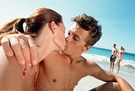 Couple Kissing on the Beach (thumbnail)