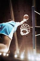 Sportswoman shooting a basket (thumbnail)