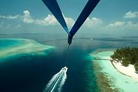 Maldives, Parasailing, paraglider