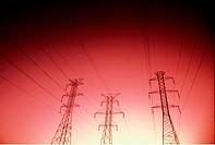 SG E, Energie, Strom, Hochspannungsmasten, roter Filter   stromleitungen, kabel, strommasten, überland Strommasten
