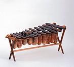 SG M, Musik, Instrumente, Marimba, Marimba aus Madagaskar, 19. Jahrhundert, Privatbesitz  sachaufnahme, freisteller, studioaufnahme, instrument, schla...