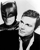 Film, ´Batman´, Fernsehserie, USA 1966 - 1968, Szene mit Adam West    fernsehen, tv serie, mann lächelnd lächeln, batman mit maske und umhang ihm über...