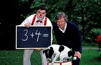 Film ´Wenn die Tiere reden könnten´ ZDF Fernsehreihe 1998, Gruppenbild mit vlnr Clown Florin, Volker Arzt,  hund rechnen