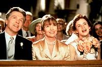 Film, ´Ganz normal verliebt´ (The other sister), USA 1999, Regie Garry Marshall, Szene mit Juliette Lewis, Diane Keaton & Tom Skerritt, lächelnd, sitz...