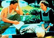 Film, ´Gods and Monsters´, USA 1998, Regie Bill Condon, Szene mit Brendan Fraser, Ian McKellen & Lynn Redgrave,  toter tod leiche auf boden liegend, h...
