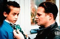 Film, ´Tsatsiki´ (Tsatsiki, morsan och polisen),  S 1999, Regie Ella Lemhagen, Szene mit Samuel Haus & Jacob Ericksson,  jakob, mann bindet junge die ...
