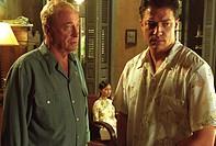 Film, ´Der stille Amerikaner´ (The Quiet American), USA/BRD/Australien 2002, Regie Phillip Noyce, Szene mit Michael Caine, Do Thi & Brendan Fraser, dr...