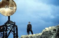 Film, ´Herrschaft des Feuers´ (Reign of fire), GB / USA / Irland 2002, Regie Rob Bowman, Szene mit NIP,  fantasyfilm, science fiction, junge, stehend,...