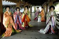 Film, ´The Last Samurai´, USA 2003, Regie Edward Zwick, Szene mit NIPs,   abenteuerfilm, ganzfigur, japan, japanerinnen, frauen, kleidung, gewänder, k...