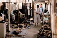 Film, ´Jenseits aller Grenzen´ (Beyond Borders), USA / BRD 2003, Regie Martin Campbell, Szene mit Angelina Jolie, Noah Emmerich  drama, romanze, krieg...