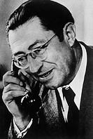 Selbmann, Fritz, 29.9.1899 - 26.1.1975, deut.  Politiker (SED), Industrieminister der DDR 1949 - 1955. Stellvertretender des Vorsitzenden des  Ministe...