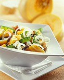 Pumpkin salad with sheep´s cheese, mangetouts & onions