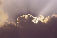 Rays of light emerging from behind a cloud (thumbnail)