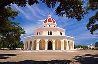Rear view of the octagonal Central Chapel (Capilla Central) in the Columbus Cemetery (Necropolis de Colon) in Havana's Vedado neighbourhood. Cuba