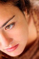 Close crop of woman´s face with her eyes open