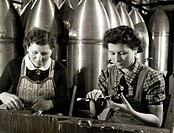 Women working in a bomb factory