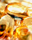 Vitamine E capsules, extreme close-up
