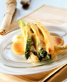 Baked asparagus with hollandaise sauce