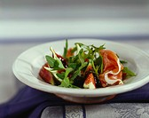 Figs in balsamic vinegar with prosciutto and rocket