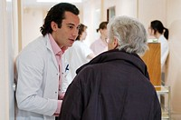 DOCTOR IN HOSPITAL<BR>Photo essay from hospital.<BR>Rennes University Hospital, in the French region of Brittany. April 2004. Department of Gastrointe...