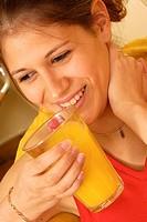 WOMAN, VITAMINS<BR>Model.<BR>Vitamin C.