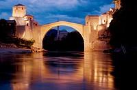Bosnia-hercegovina. Mostar, old bridge (reconstructed). Stari Most at dusk