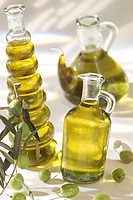 EDIBLE OIL<BR>Olive oil.