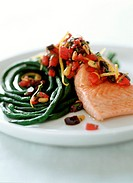 Steamed salmon fillet with vegetables
