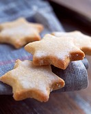 Star-shaped lemon shortbread cookies