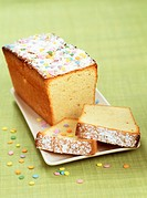 Yogurt loaf cake