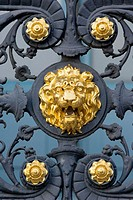 Lion. Detail of balcony of the museum of the Louvre. First district. Paris. France