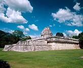 ´El Caracol´ (the Snail) observatory, Mayan ruins of Chichén Itzá. Yucatán, Mexico