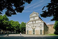Small church in Pisa. Tuscany, Italy