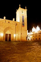 Night view of St. Mary's cathedral (15th-16th century), Cáceres. Extremadura, Spain
