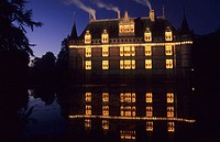 A sound and light show, 'Les Imaginaires d'Azay-le-Rideau', invites the visitor to walk and dream. Lighting designer: Itin&#233;rance. Ch&#226;teau d'Azay-le-Ri...