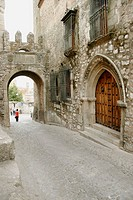 Gate and stone arch, Trujillo. Cáceres, Extremadura. Spain