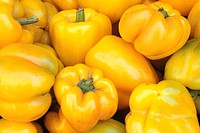 Yellow peppers, (Close-up)