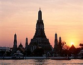 Sunset, Temple of Dawn (Wat Arun), Chao Phraya River, Bangkok, Thailand