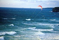 Kitesurfing (thumbnail)
